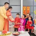 Tặng quà tết là phong tục của người Việt
